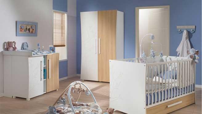 Chambre bébé bleu et beige - Famille et bébé