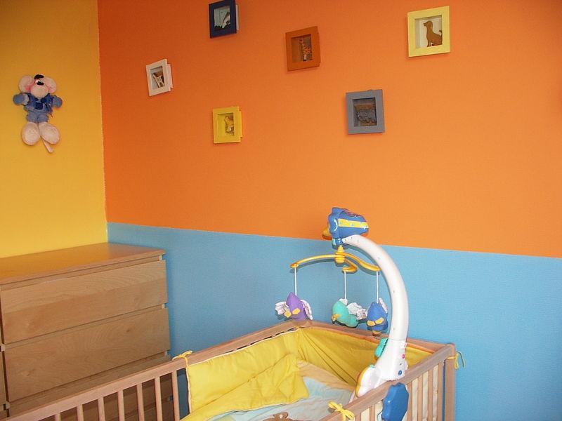 Chambre bébé orange bleu - Idées de tricot gratuit
