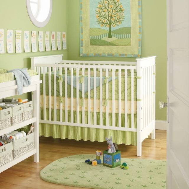 Chambre bébé fille vert anis - Famille et bébé