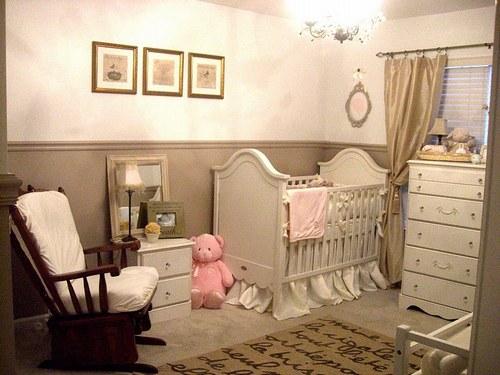 Chambre bébé fille beige