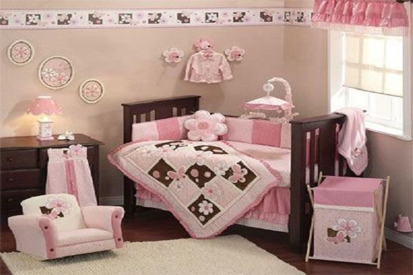 Chambre bébé fille rose et marron - Modèle de tricot gratuit