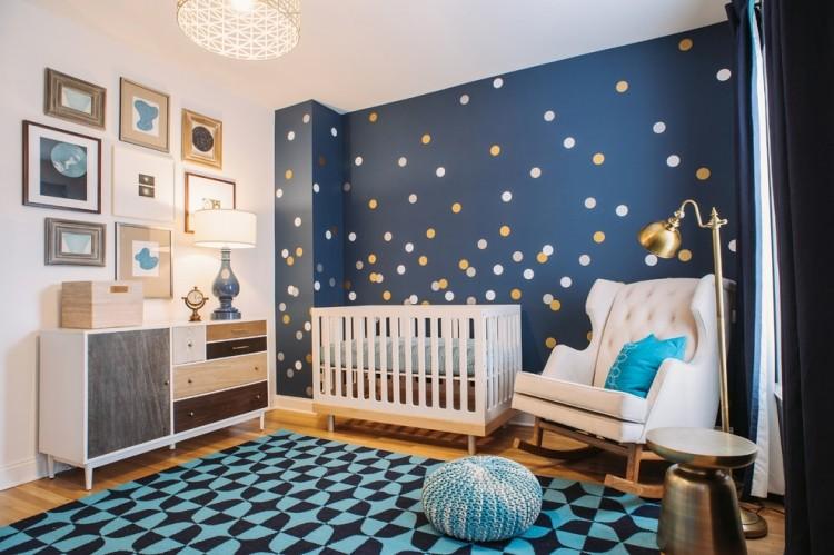 Chambre bébé garçon bleu marine