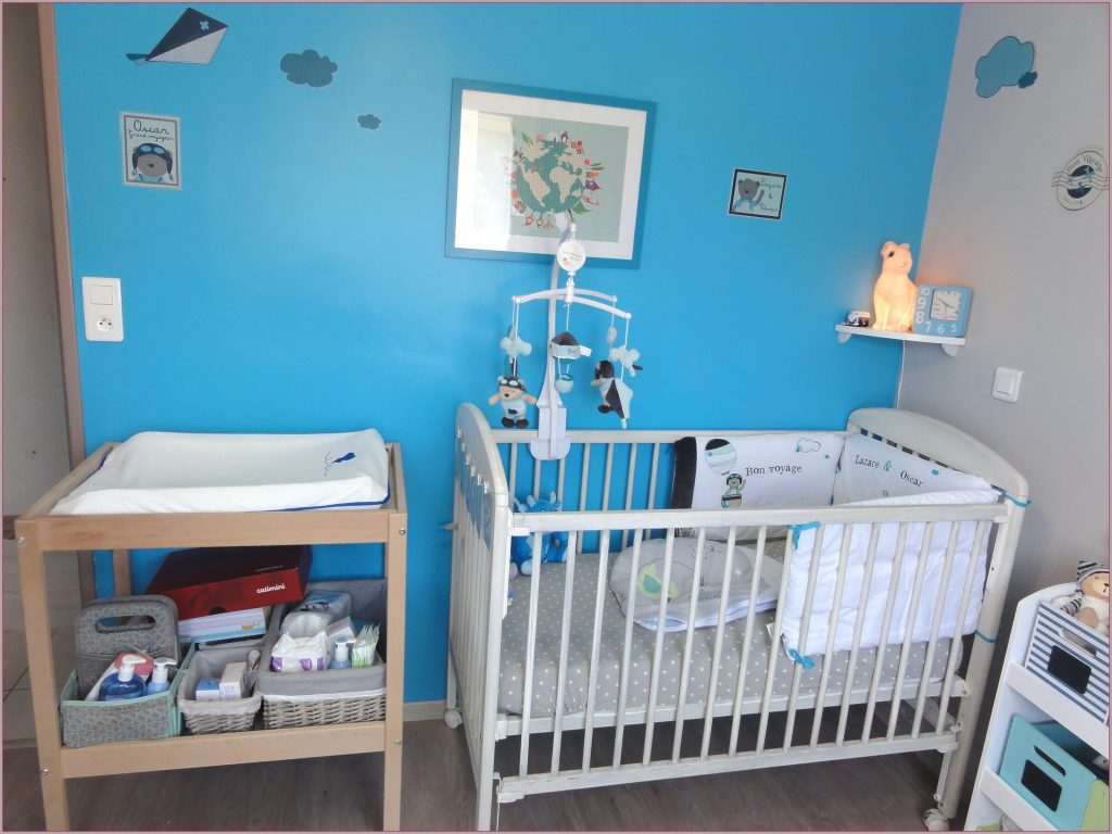 Chambre Bébé Bleu Et Rouge : Chambre bebe couleur bleu famille et bébé