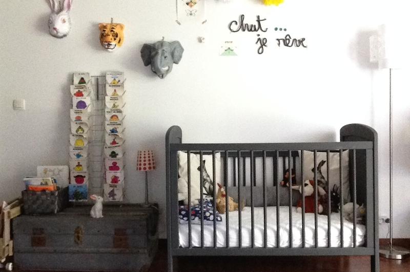 Lit bebe gris foncé - Idées de tricot gratuit