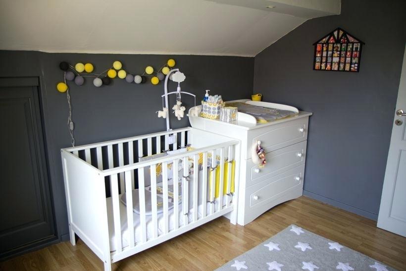 Chambre bebe gris bleu jaune - Famille et bébé