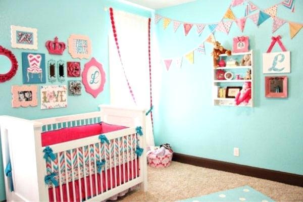Chambre bleu pour bébé fille - Famille et bébé