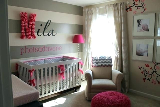 Chambre bébé gris et rouge