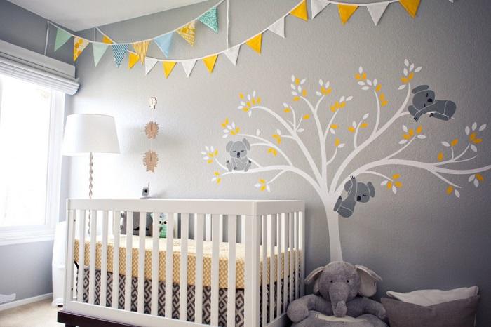 Chambre de bébé gris et jaune - Famille et bébé