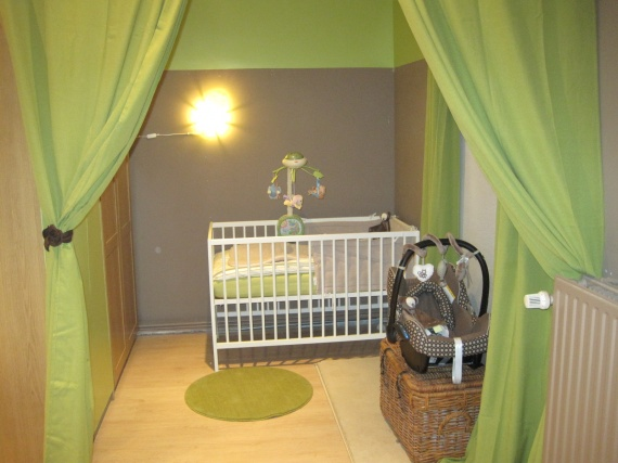 Deco chambre bebe vert et marron - Famille et bébé